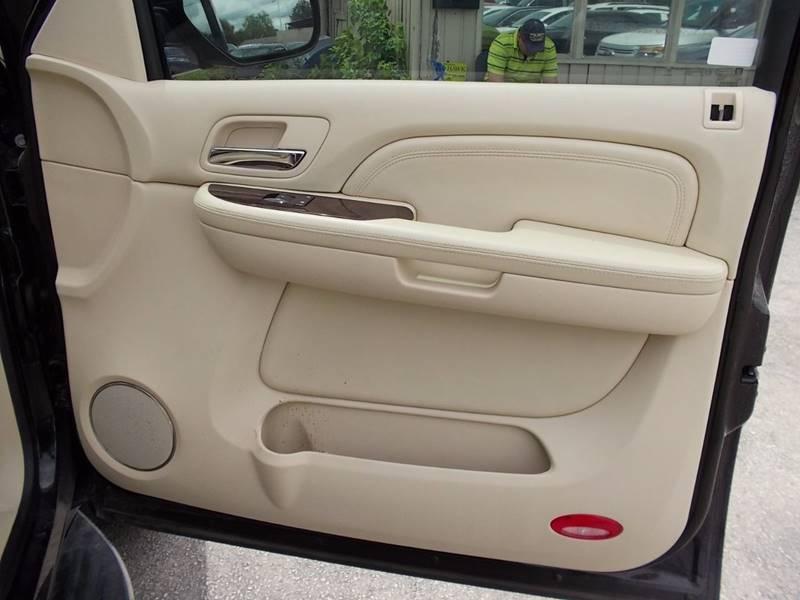 2008 Cadillac Escalade for sale at Carz Of Texas Auto Sales in San Antonio TX