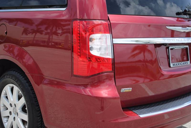 2014 Chrysler Town and Country Touring 4dr Mini-Van - Hollywood FL