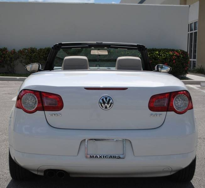 2009 Volkswagen Eos Komfort 2dr Convertible 6A - Hollywood FL