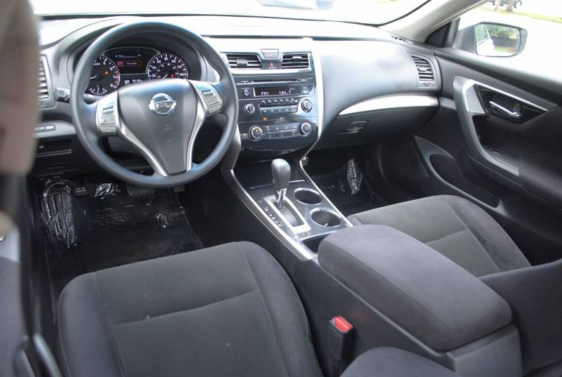 2013 Nissan Altima 2.5 S 4dr Sedan - Hollywood FL