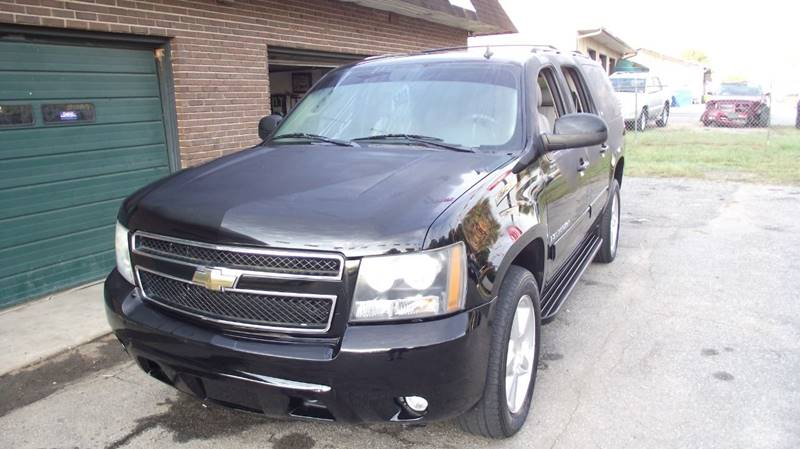 2009 Chevrolet Suburban 4x4 Lt 1500 4dr Suv W 1lt In