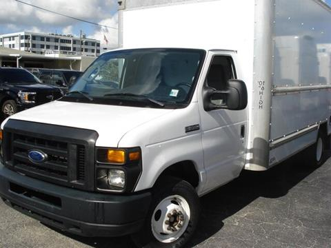 2015 Ford E-Series Chassis for sale in Miami, FL