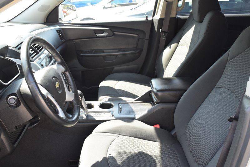 2009 Chevrolet Traverse LT 4dr SUV w/2LT - Chicago IL