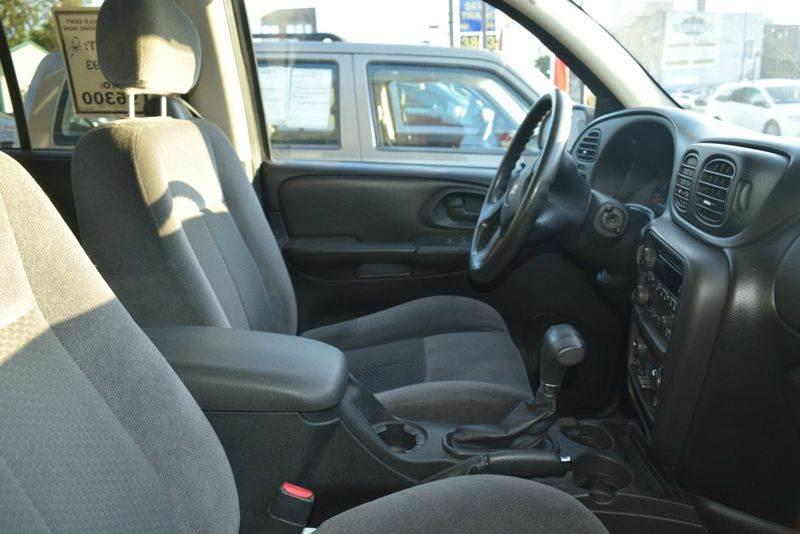 2009 Chevrolet TrailBlazer 4x4 LT1 4dr SUV - Chicago IL