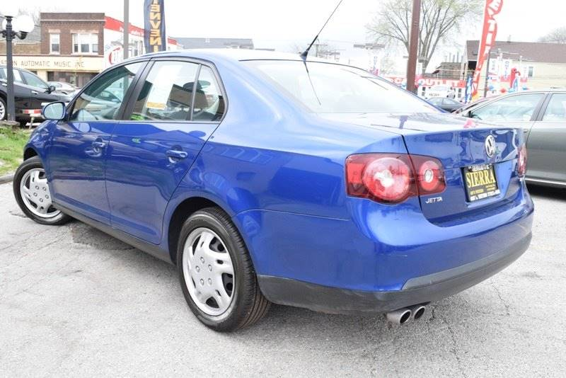 2009 Volkswagen Jetta S 4dr Sedan 5M - Chicago IL