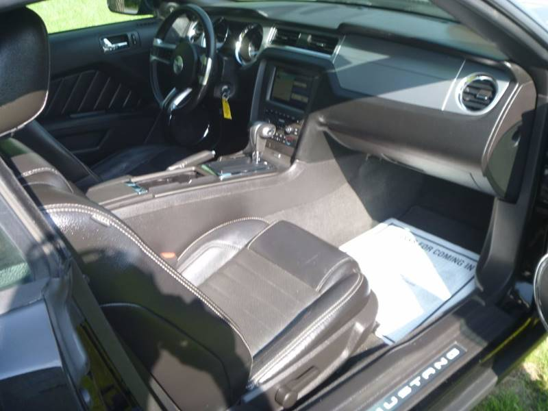 2010 Ford Mustang V6 Premium 2dr Convertible - Bally PA