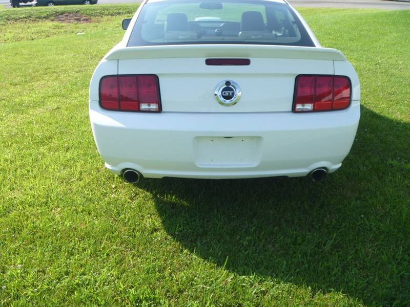 2005 Ford Mustang GT Premium 2dr Fastback - Bally PA