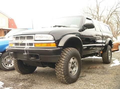 2000 Chevrolet S-10 for sale at Nesters Autoworks in Bally PA