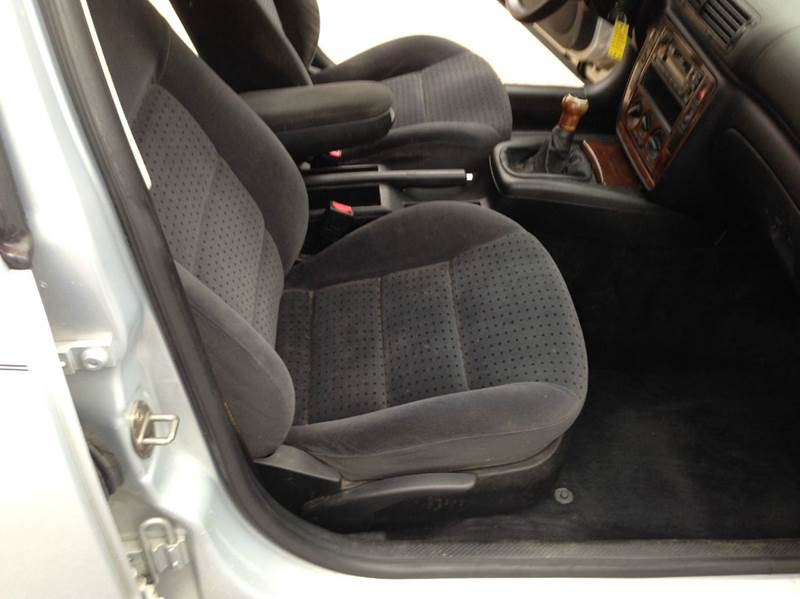 2000 Volkswagen Passat GLS V6 4dr Sedan - Conway AR