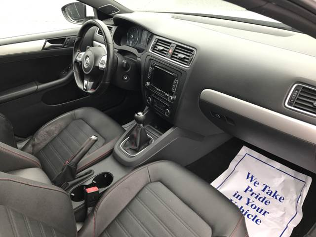 2012 Volkswagen Jetta GLI PZEV 4dr Sedan 6M - Milford MA