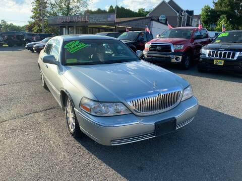 2007 Lincoln Town Car for sale at Milford Auto Mall in Milford MA