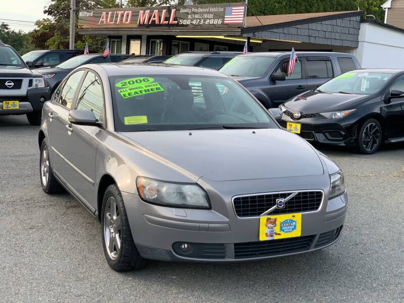 2006 Volvo S40 for sale at Milford Auto Mall in Milford MA