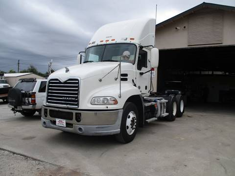 2013 Mack CXU613 PINNACLE for sale in Sanford, FL