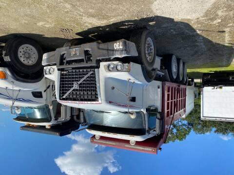 2005 Volvo VHD64B200 for sale at DEBARY TRUCK SALES in Sanford FL