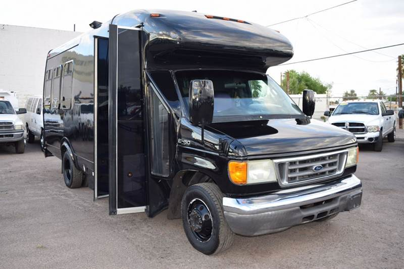 2004 FORD E-450 PARTY BUS black dont miss out on this amazing 2004 ford e-450 party bus this e-
