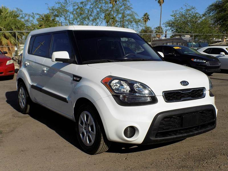 2012 KIA SOUL BASE 4DR WAGON 6M white stop by and check out this beautiful 2012 kia soul this ki