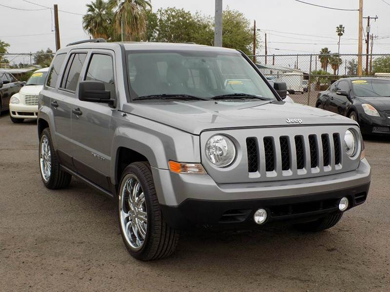 2016 JEEP PATRIOT SPORT 4DR SUV silver come check out this like new 2016 jeep patriot this patri