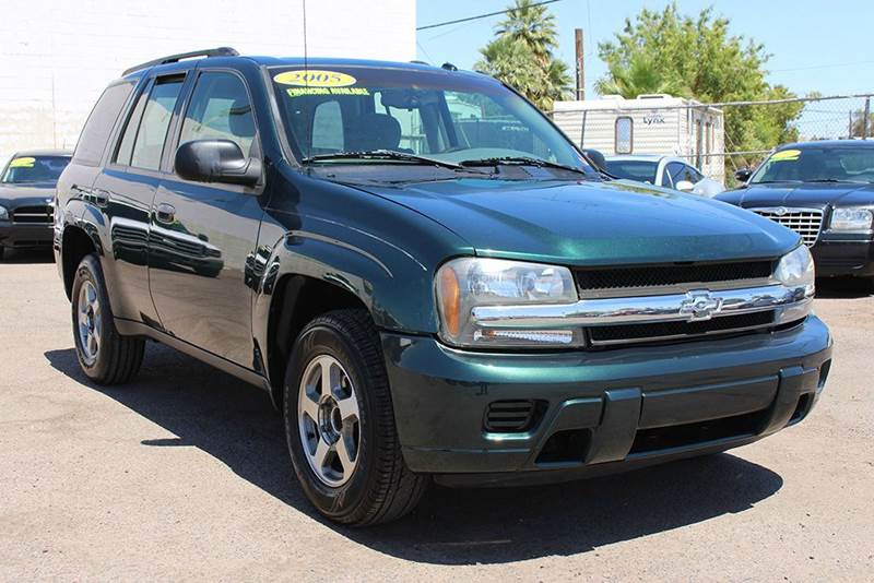 2005 CHEVROLET TRAILBLAZER LS 4DR SUV green in need of an suv take a look at this marvelous 2005