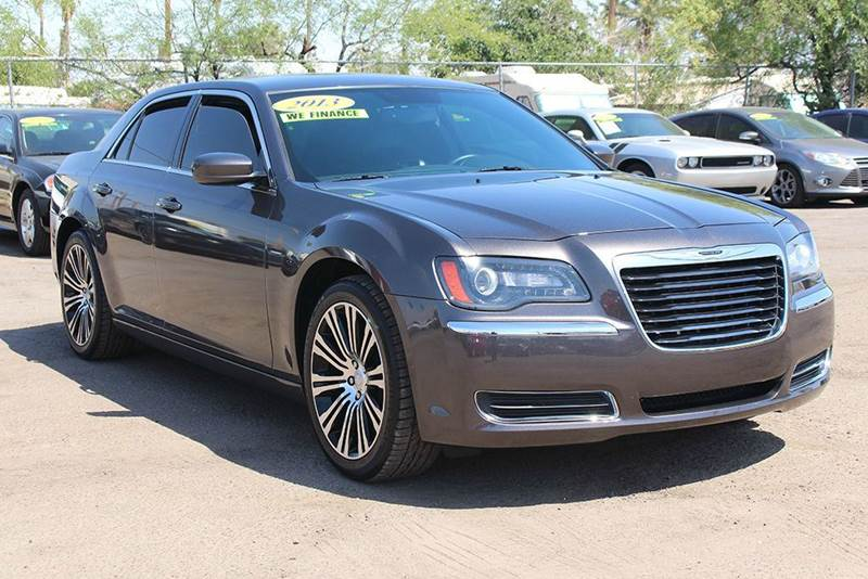 2013 CHRYSLER 300 S 4DR SEDAN brown this 2013 chrysler 300 s 4dr sedan is fully loaded with low m
