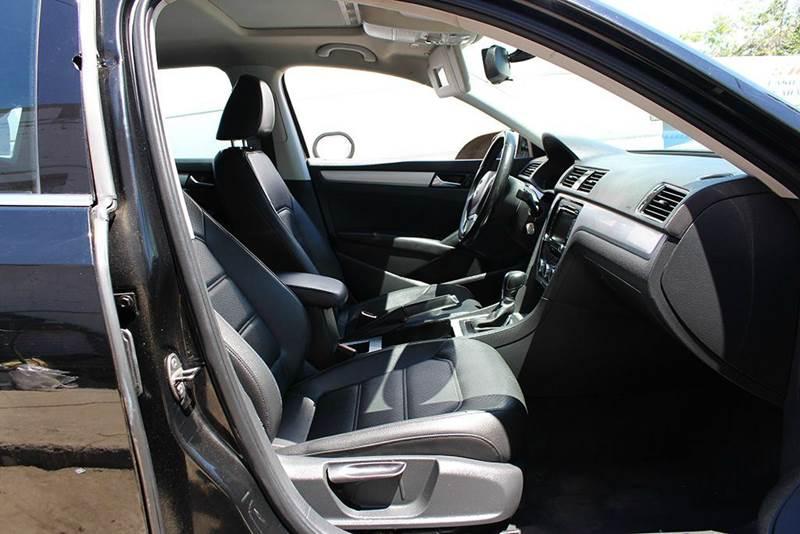 2012 Volkswagen Passat SE PZEV 4dr Sedan 6A w/ Sunroof - Phoenix AZ