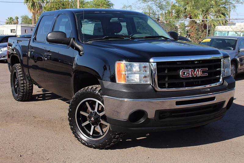 2009 GMC SIERRA 1500 CREW CAB black are you looking for a full size 4x4 truck then come down to