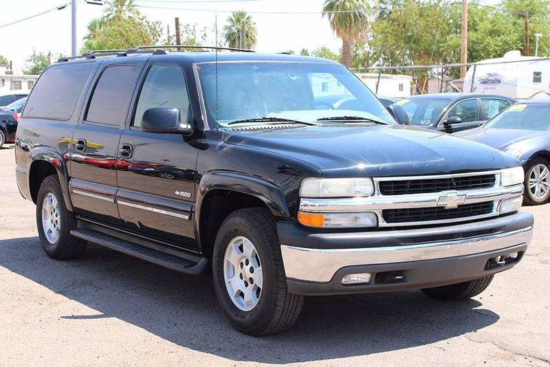 2000 CHEVROLET SUBURBAN 1500 LT 4DR SUV black need a third row seating vehicle here is the 2000