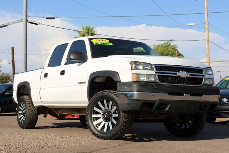 2006 CHEVROLET SILVERADO 2500HD LS 4DR CREW CAB 4WD SB white financing available all prices are