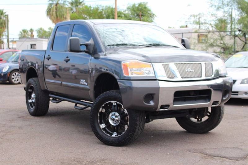 2008 NISSAN TITAN LE 4X4 CREW CAB SHORT BED 4DR 2 gray financing available all prices are subjec