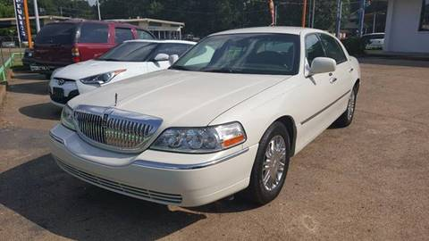 2006 Lincoln Town Car for sale in Memphis, TN