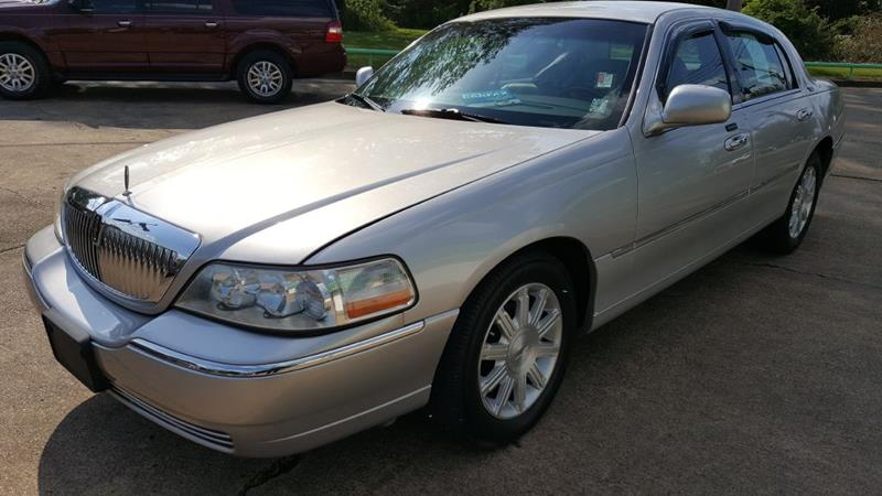 2010 Lincoln Town Car Signature Limited 4dr Sedan In Memphis Tn