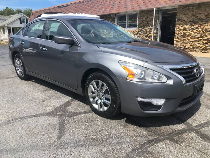 2014 Nissan Altima for sale at Approved Motors in Dillonvale OH