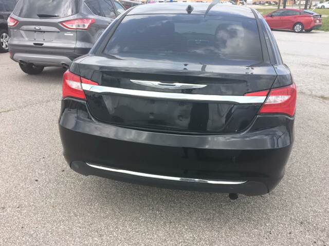 2013 Chrysler 200 LX 4dr Sedan - Fort Wayne IN