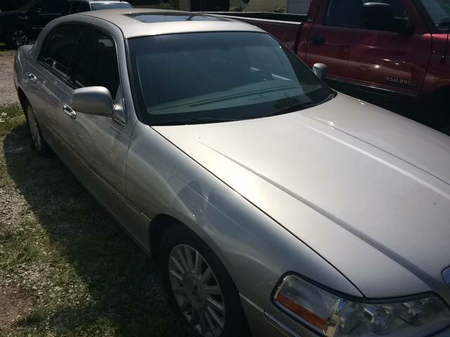 2004 Lincoln Town Car Ultimate 4dr Sedan - Fort Wayne IN
