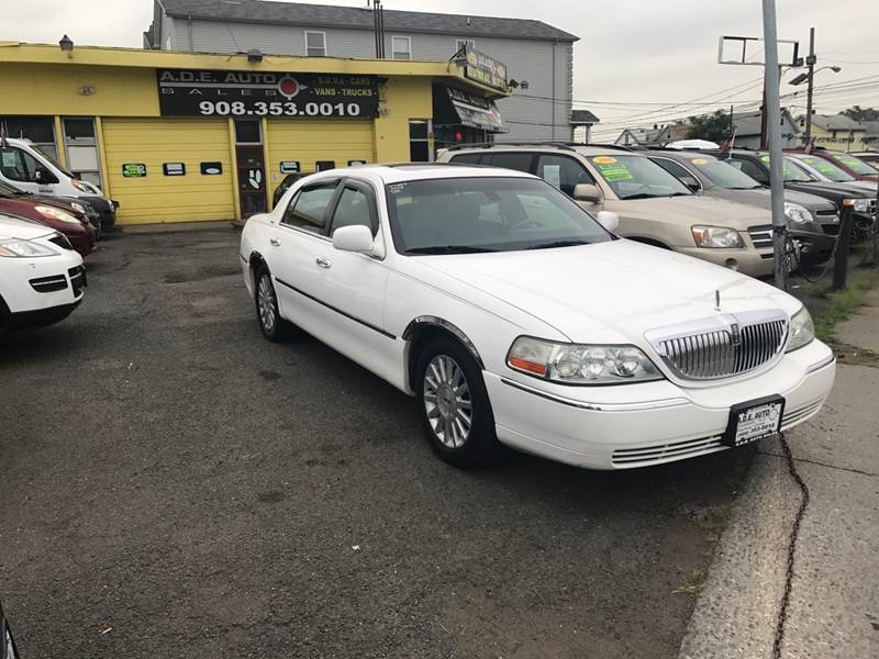 2003 Lincoln Town Car Signature 4dr Sedan In Elizabeth Nj A D E