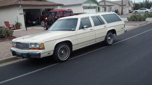 1989 Ford LTD Crown Victoria for sale at Dream Machines in Cedar Falls IA