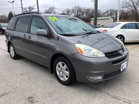 2004 Toyota Sienna for sale at I-80 Auto Sales in Hazel Crest IL