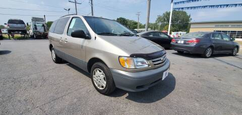 2002 Toyota Sienna for sale at I-80 Auto Sales in Hazel Crest IL