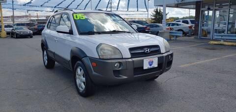 2005 Hyundai Tucson for sale at I-80 Auto Sales in Hazel Crest IL