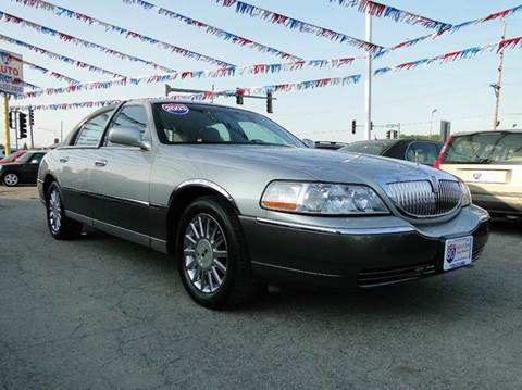 2003 Lincoln Town Car for sale at I-80 Auto Sales in Hazel Crest IL