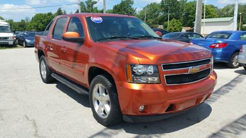 2007 Chevrolet Avalanche for sale at I-80 Auto Sales in Hazel Crest IL