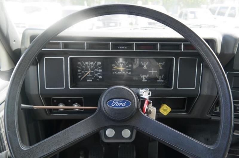 1992 Ford F-700 for sale at Jumbo Auto & Truck Plaza in Hollywood FL