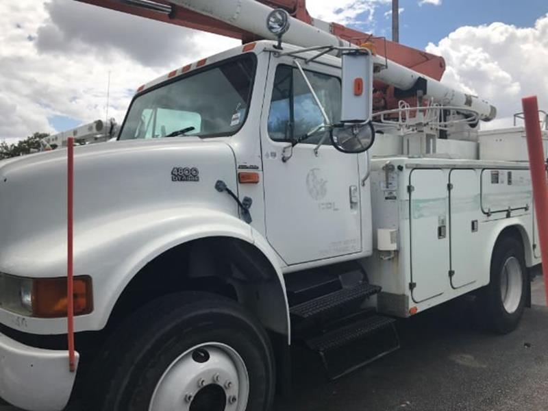 2000 International 4800 for sale at Jumbo Auto & Truck Plaza in Hollywood FL
