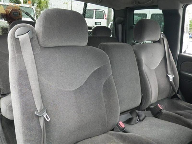 2002 GMC Sierra 2500HD for sale at Jumbo Auto & Truck Plaza in Hollywood FL