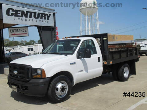 2006 Ford F-350 Super Duty for sale at CENTURY TRUCKS & VANS in Grand Prairie TX