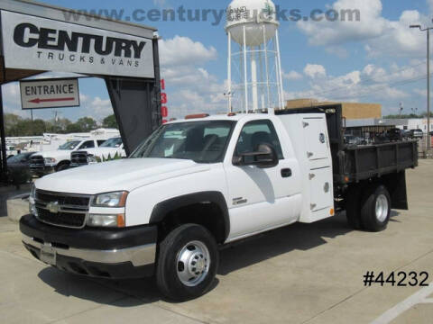 2006 Chevrolet Silverado 3500 for sale at CENTURY TRUCKS & VANS in Grand Prairie TX