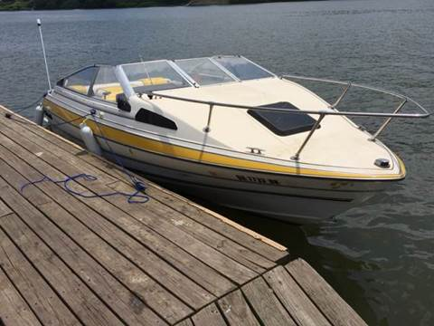 1986 Bayliner Capri 1900 CUDDY