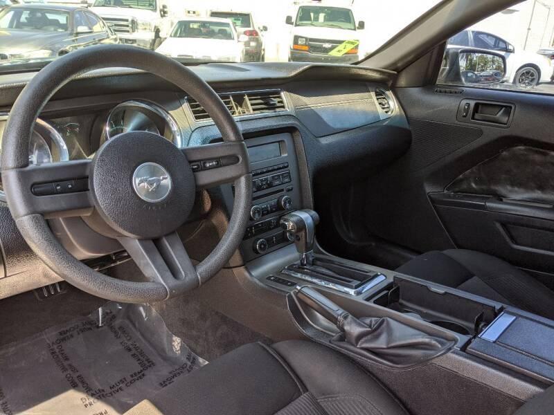2010 Ford Mustang V6 2dr Fastback - National City CA