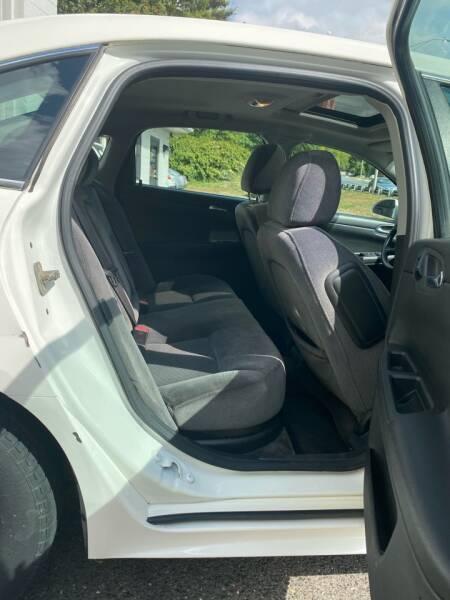 2009 Chevrolet Impala LT 4dr Sedan - Westfield MA
