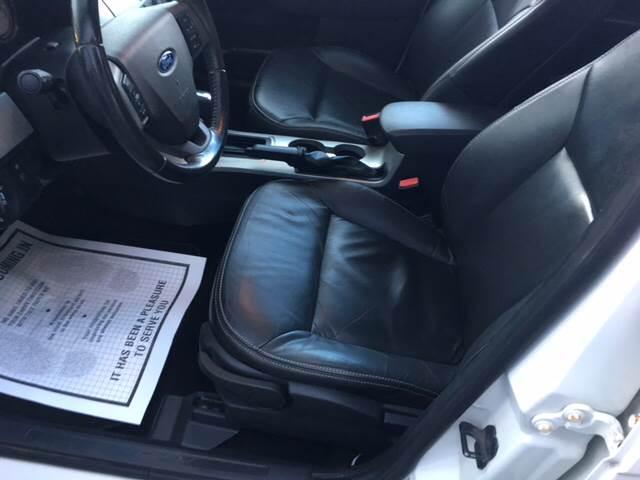 2010 Ford Focus SEL 4dr Sedan - Winchester MA