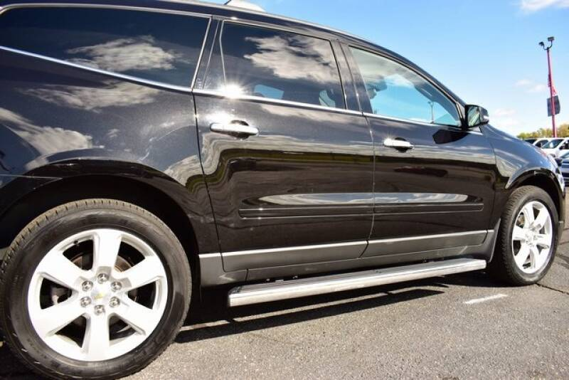 2016 Chevrolet Traverse LT (image 11)